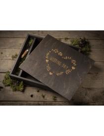 "Wooden box for a 30x30cm / 12x12"" album + 16GB 3.0 USB KEY"